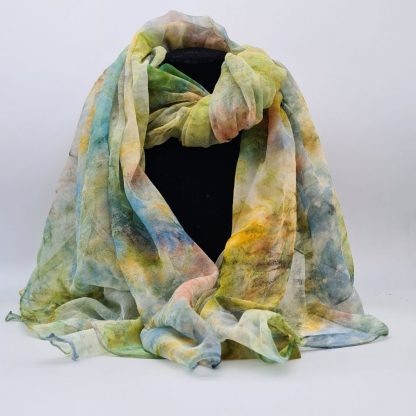 Sprankelend, handgeschilderde zijden sjaal, 220 x 110 cm (1)